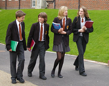 school-uniforms-private-school-students
