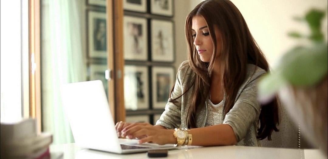 Девушка фото в офисе 47144 фотография